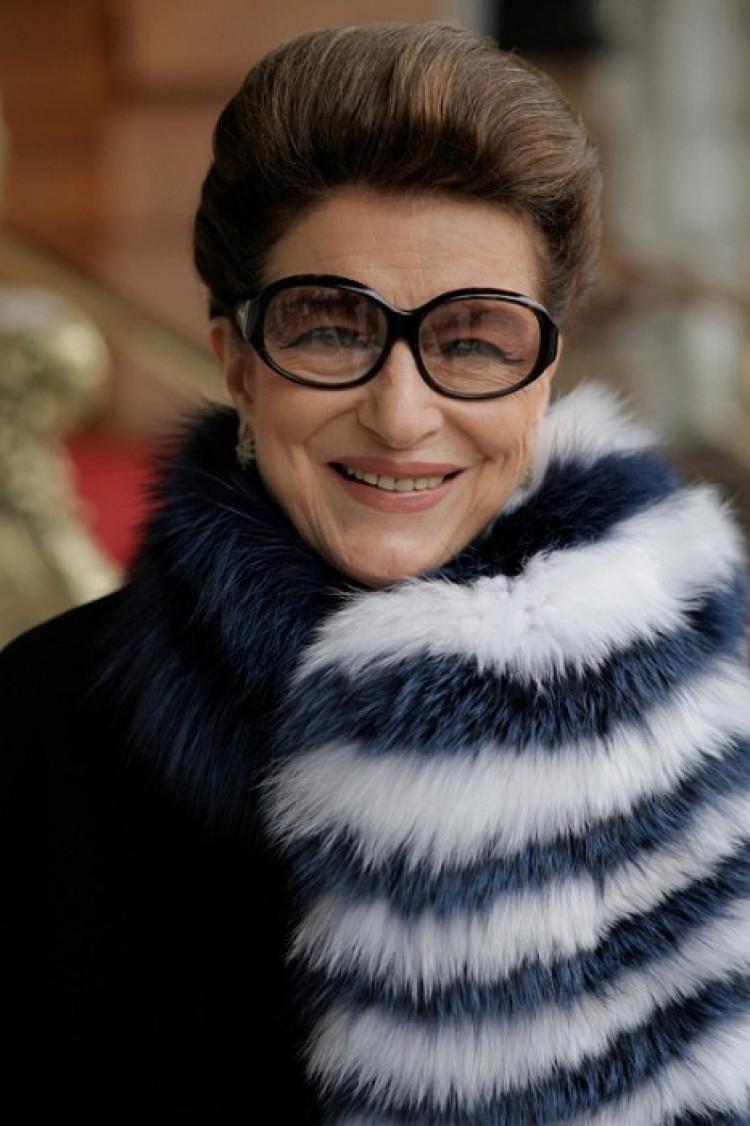 Elegancka Costanza, 73 lat.