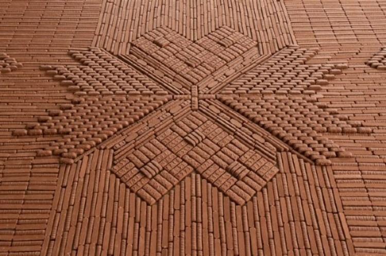 W Holandii stworzony został unikalny dywan z czekoladowych batoników.