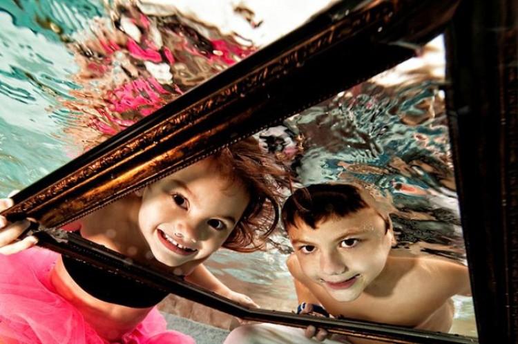 Podwodny magiczny świat dzieciństwa.