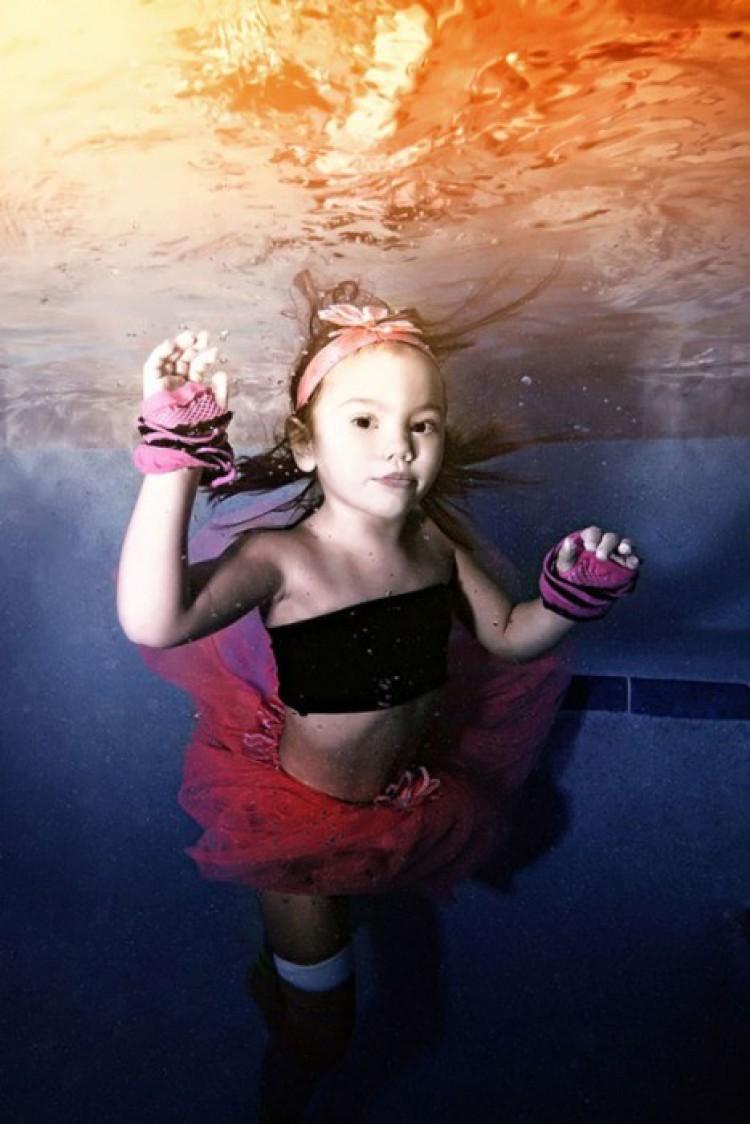 Mała tancerka. Adam Opris.