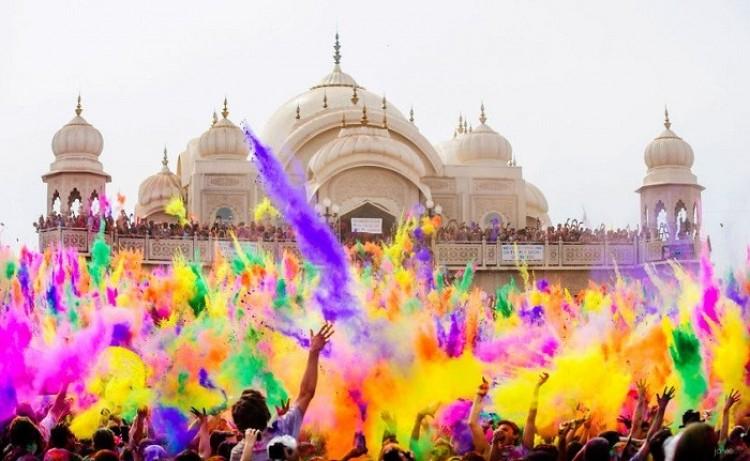 Holi: World's Biggest Color Festival (Indie).