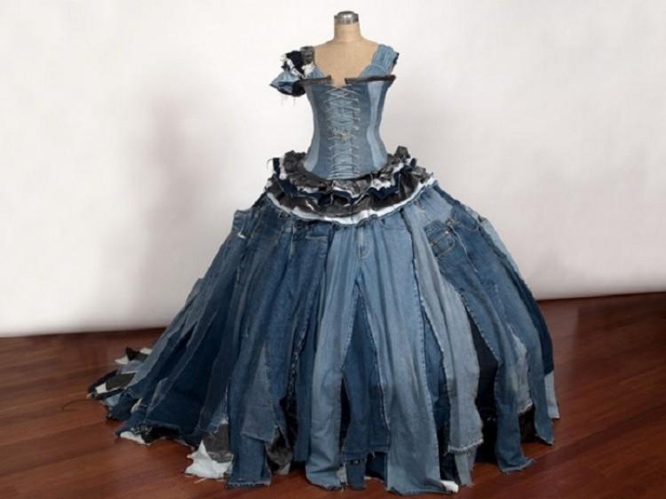 Sukienka z jeansów.