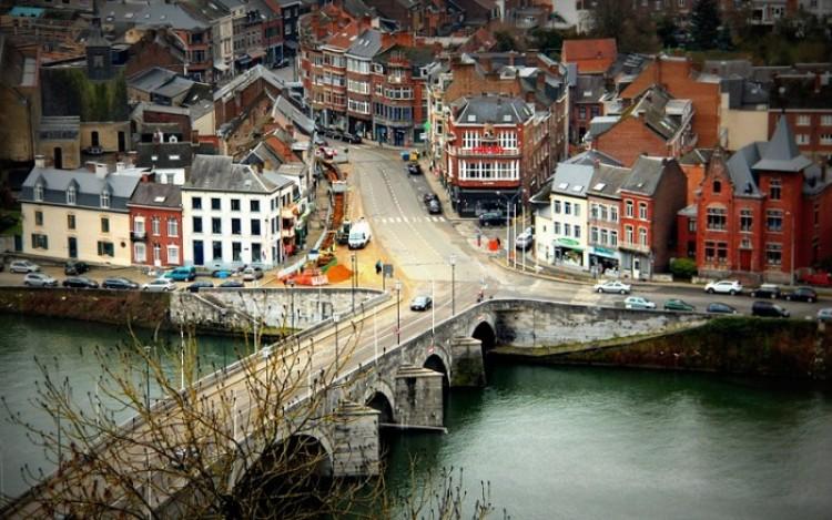 Niesamowity Namur. Belgia.