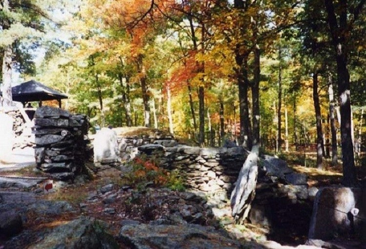 Amerykański Stonehenge. New Hampshire. Stany Zjednoczone