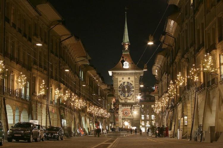 Słynny zegar astronomiczny. Berno. Szwajcaria.