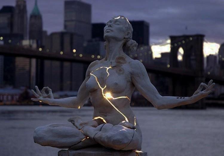 Ekspansja, Paige Bradley, Nowy Jork, Stany Zjednoczone