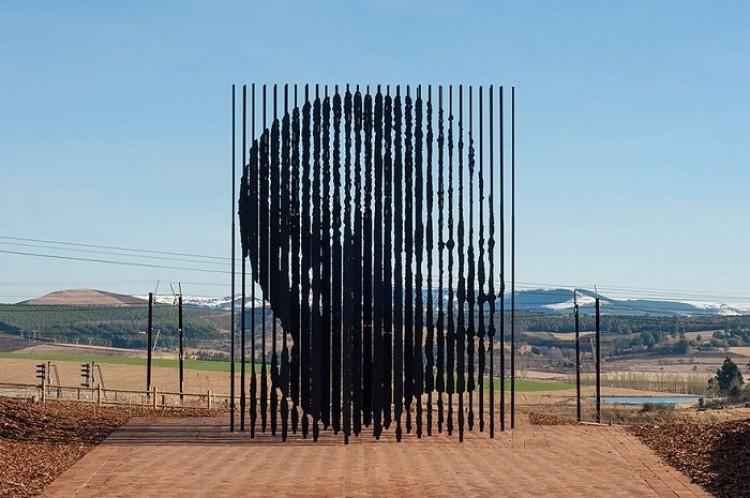 Pomnik Nelsona Mandeli, Houik, Republika Południowej Afryki
