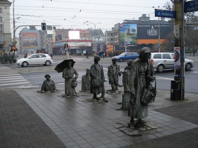 Pomnik anonimowych przechodniów, Wrocław, Polska