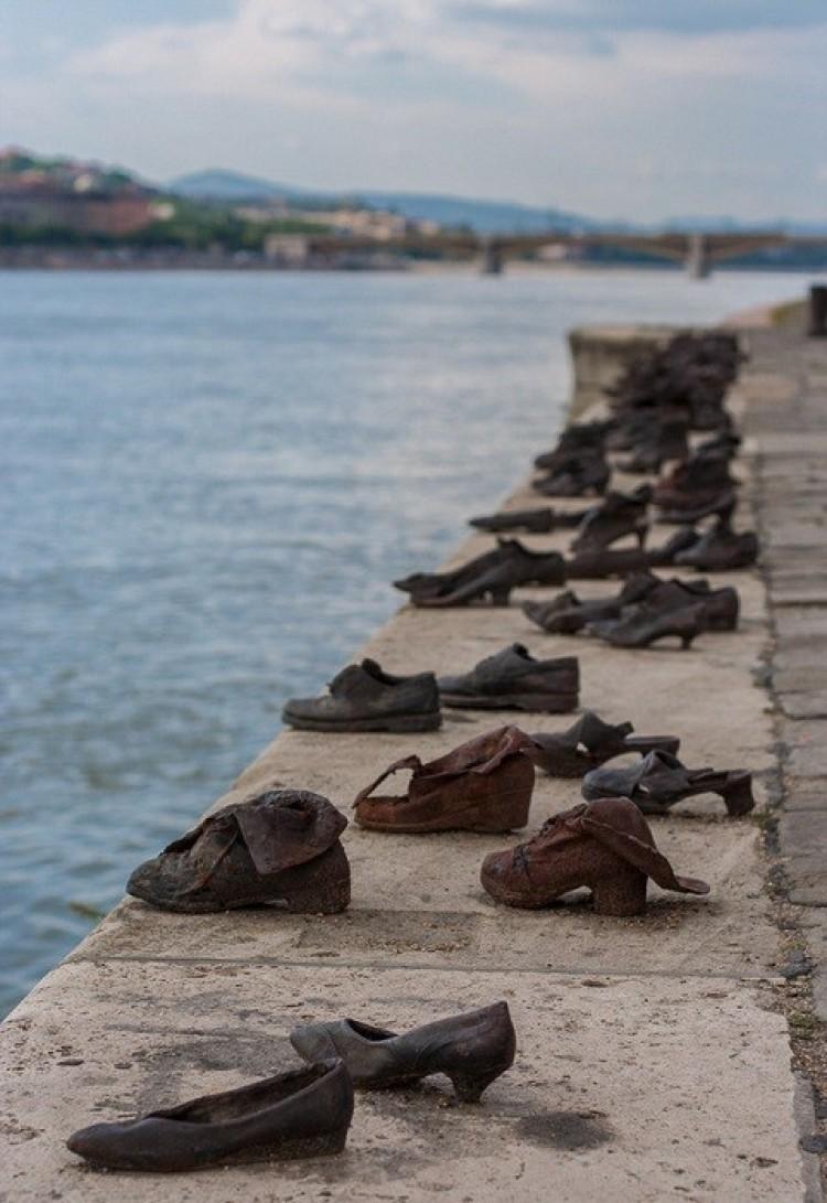 Buty na Dunaju, Budapeszt, Węgry