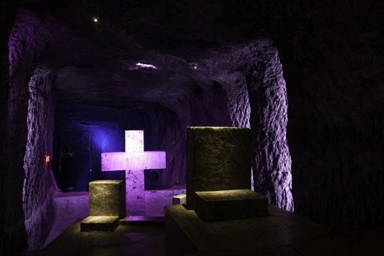 Podziemna katedra w kolumbijskiej kopalni soli