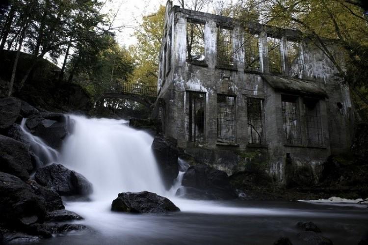 Opuszczony młyn, Ontario, Kanada