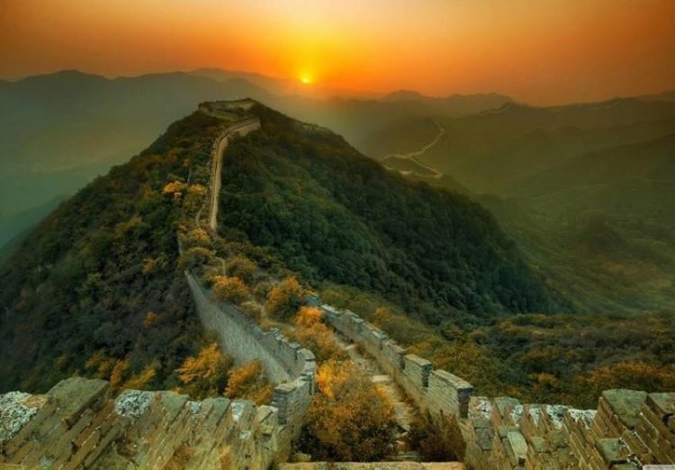 Zarośnięta część Wielkiego Muru Chińskiego, Chiny