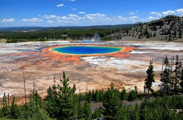 Grand Prismatic Spring, Wyoming, USA.