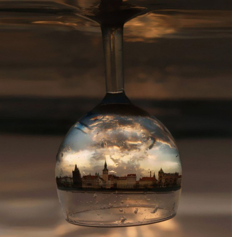 Praga w szklance wina.