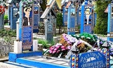 Śmiertelnie śmieszne: cmentarz z zabawnymi rysunkami i sarkastycznymi wierszami.
