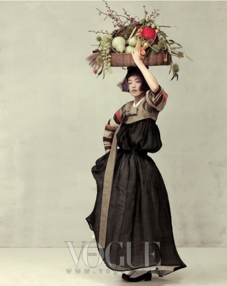 Charm. Korea Vogue.
