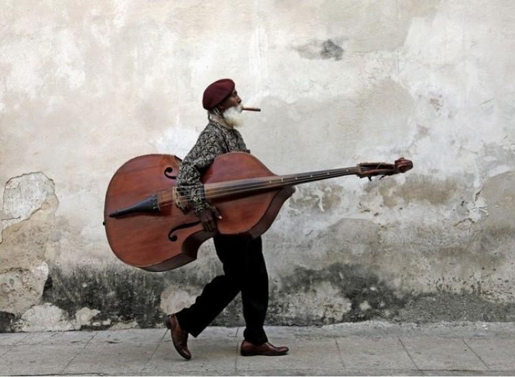 Artysta uliczny (Lori McCormick).