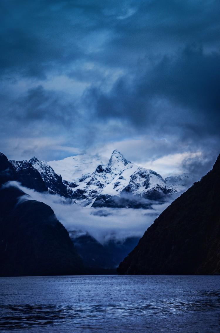Nowa Zelandia. Wyspa Południowa. Fiord Milford Sound. (Trey Ratcliff)