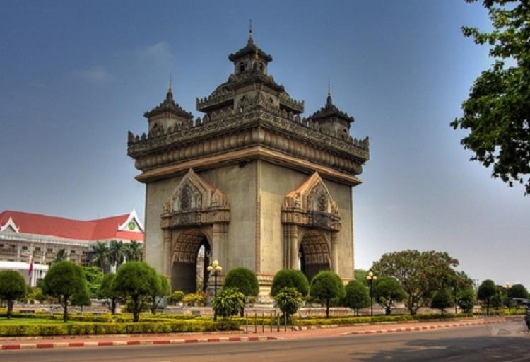 Patuxai. Vientiane. Laos