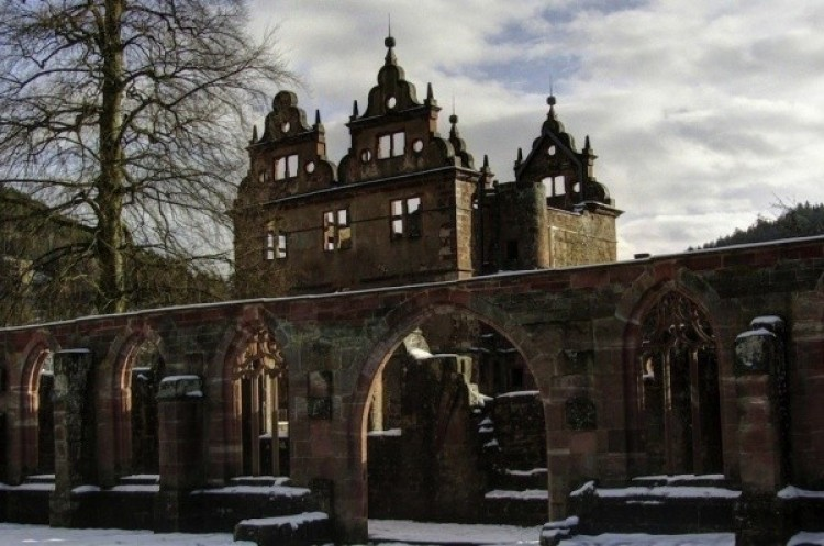 Klasztor z XV wieku w Czarnej Fortecy w Niemczech