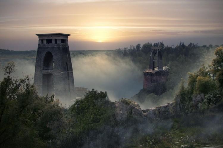 Clifton Suspension Bridge, Anglia