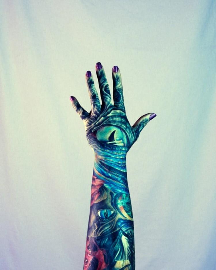 Na ręce.
