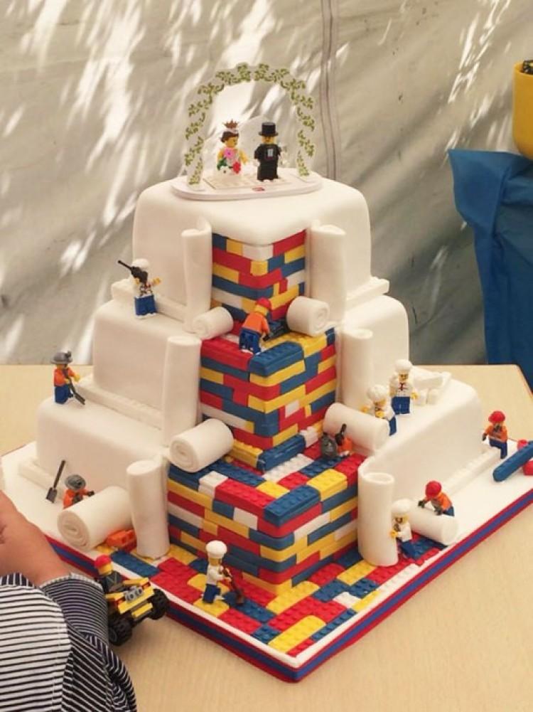 Niesamowity tort weselny w stylu Lego.