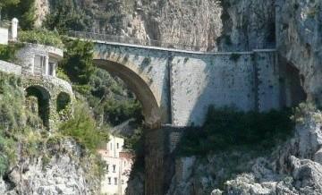Furore - nieistniejąca wioska we Włoszech.