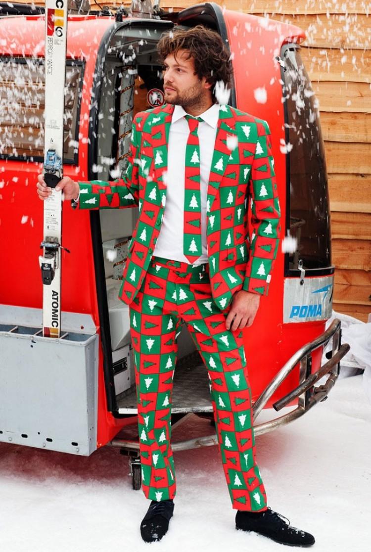 Brzydkie świąteczne swetry zamieniamy na stylowe garnitury.