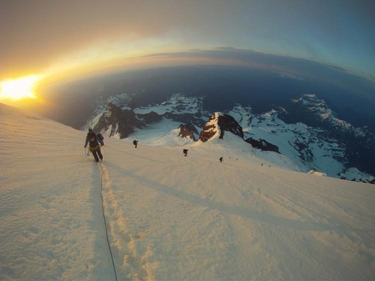 Zejście na Mount Rainier, USA.
