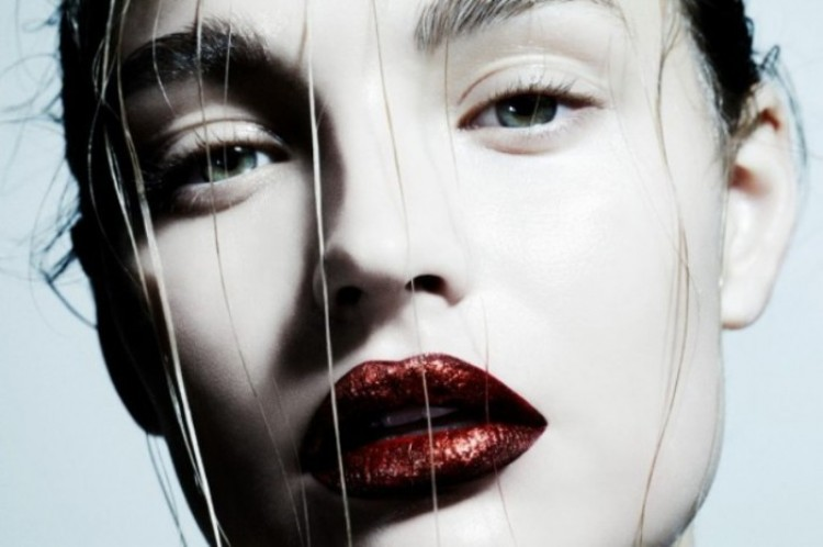 Portret Rosemary de Kock dla magazynu «Playing Fashion».
