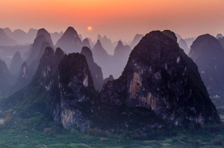Zachód słońca. Chiny